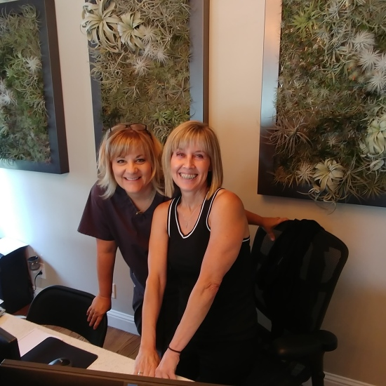 Floss: Kristi & Cindy